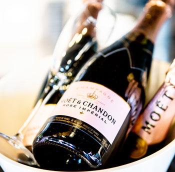 pedicure met MOËT champagne
